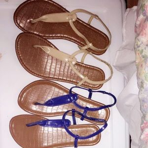 2 pair of faded glory sandals